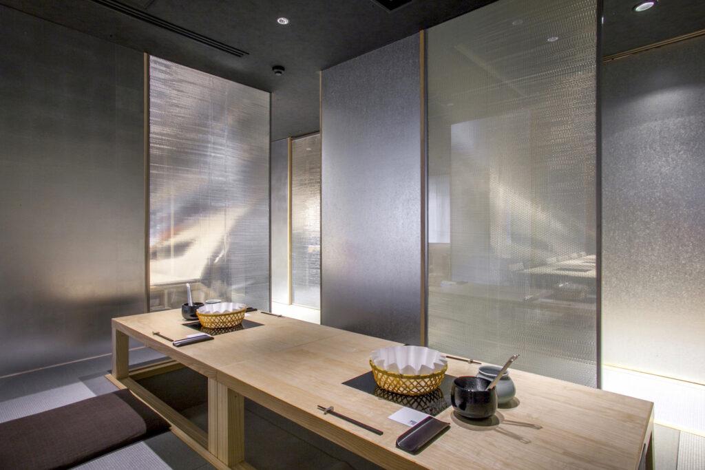 四条烏丸店,瓢斗,個室,白木,銀箔,内装